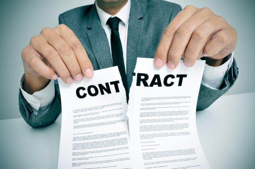 Arbeidsovereenkomst stilzwijgend beëindigd bij echtscheiding?