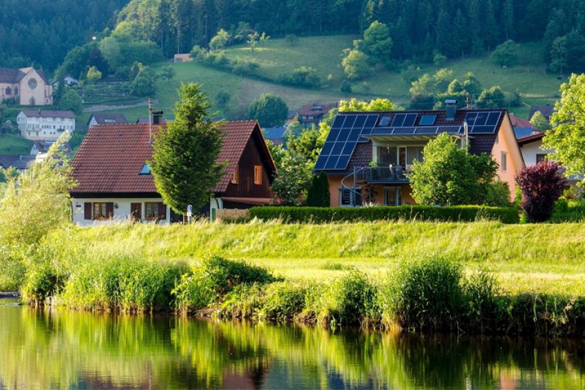 Wet natuurbescherming dreigt plaatsing zonnepanelen bij woningcorporaties stil te leggen