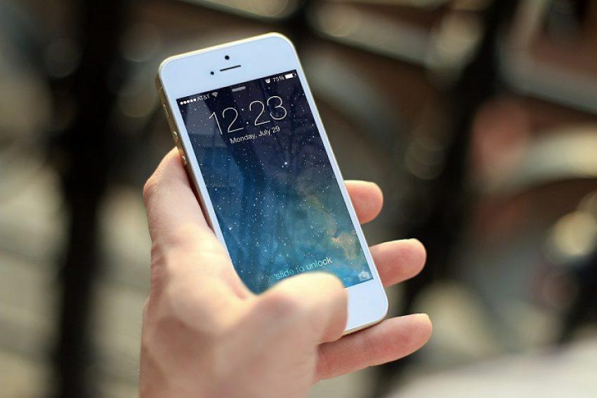 Recht op persoonlijke levenssfeer verdachte en ontgrendelen en uitlezen smartphone