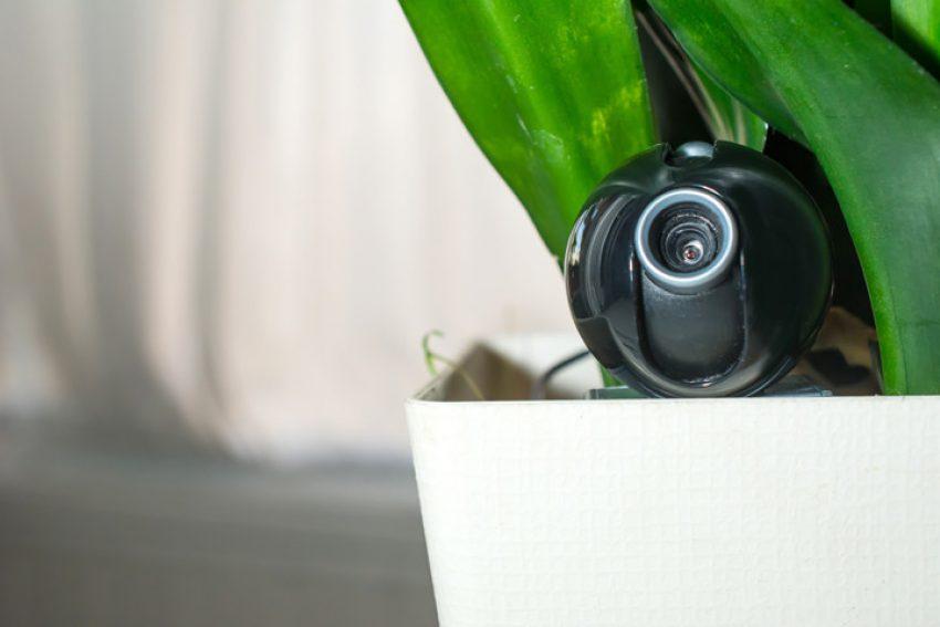 Werknemers controleren met verborgen camera toegestaan